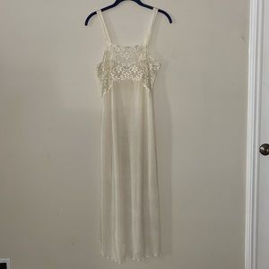 Vintage Ivory Nightgown